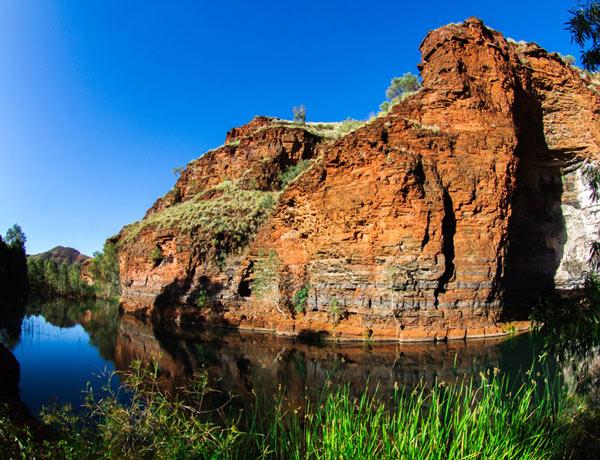 Aboriginal birthing pool