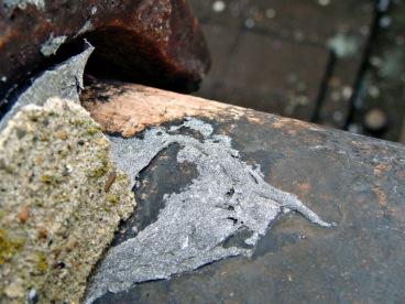 Asbestos roofing mastic