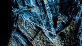 Raw crocidolite asbestos