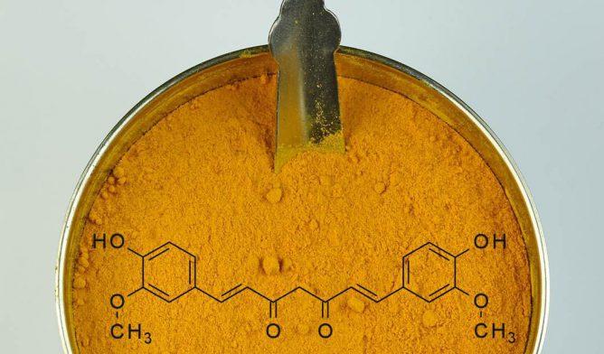 Turmeric with curcumin molecule in powder