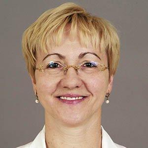 Dr. Marianna Koczywas, Medical Oncologist