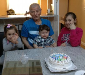 Mesothelioma Survivor Antonio L. with his grandchildren