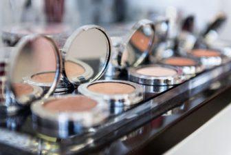 Powder makeup