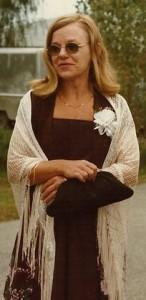 Midge Rylander, Rachele's Mother