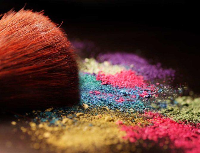 Multicolored makeup powder
