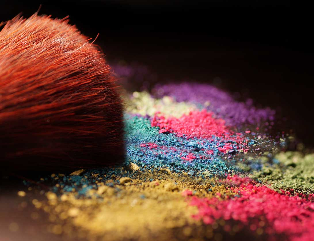 Multicolored makeup powder