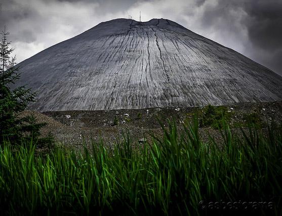 Asbestos mine tailings in Quebec