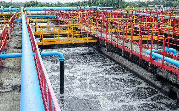 Water treatment plant cleaning asbestos cement pipes