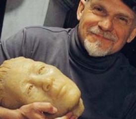 Forensic sculptor Frank Bender